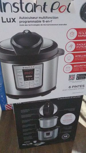 Instant pot cooker for Sale in Houston, TX