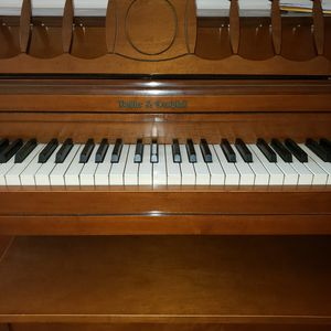 Spinet piano for Sale in Akron, OH