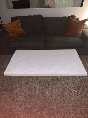 White/Gold Marble Coffee Table or Kitchen Table for Sale in Seattle, WA