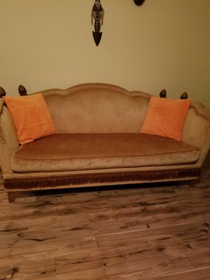 Gold sofa for Sale in Warner Robins, GA