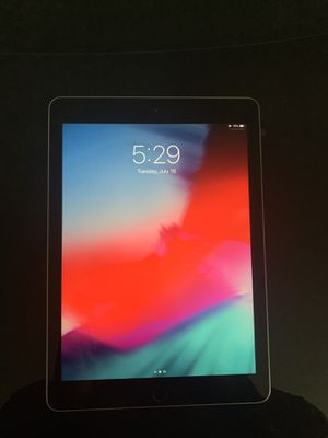 iPad 6th generation for Sale in Tampa, FL