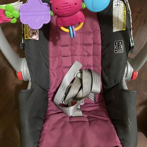 Infant Carseat for Sale in Pittsburgh, PA