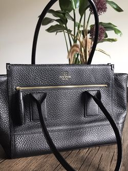 Kate Spade 100% Genuine Leather Tote Bag for Sale in Portland,  OR
