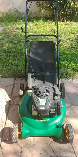 """Lawn mower weedeater 21"""" for Sale in Manteca, CA"""