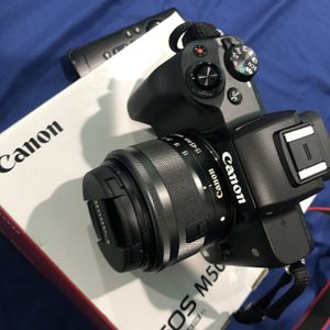 Canon EOS M50 for Sale in Houston, TX