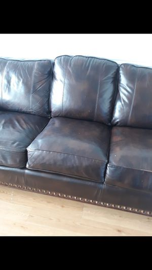 Brown couch for Sale in High Point, NC