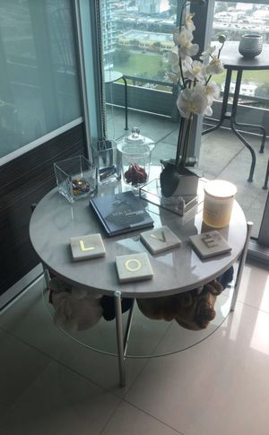 Modern coffee table for Sale in Miami, FL