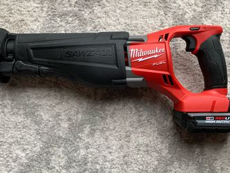 Milwaukee M18 Fuel Sawzall Reciprocating CP 3.0 Ah Battery for Sale in Queens,  NY