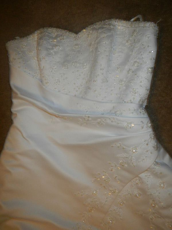 WEDDING DRESS LIKE NEW!!!
