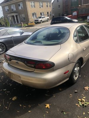 1999 Ford Taurus SE. for Sale in Derby, CT