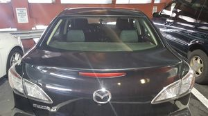 2012 Mazda 3i 4 cylinder very good on gas. Clean title. Runs great. for Sale in Las Vegas, NV
