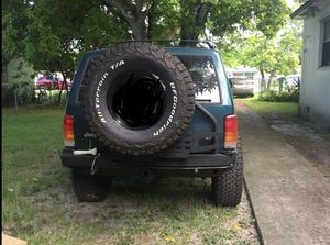 Jeep Cherokee xj for Sale in Miami, FL