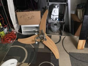 Modern fan $20.00 for Sale in Cleveland, OH