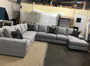 Sectional for Sale in Compton, CA