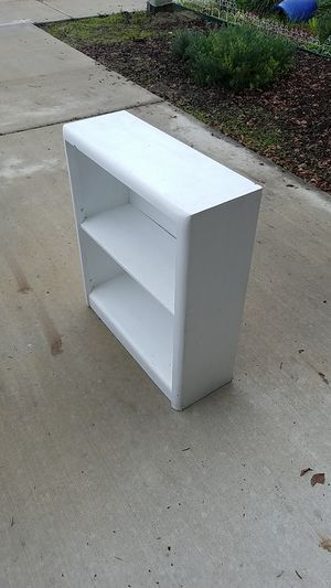 Small bookshelf for Sale in Visalia, CA