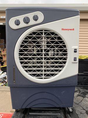 Honeywell Air Cooler Indoor/Outdoor Fan for Sale in Dallas, TX