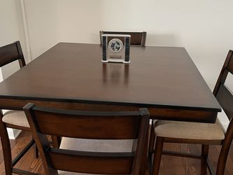 5-Piece Pier 1 Bar Top Table Set for Sale in North Brunswick Township,  NJ