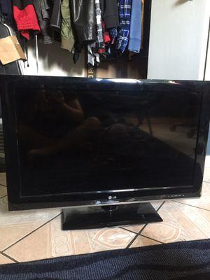 """Lg 32"""" tv for Sale in Phoenix, AZ"""
