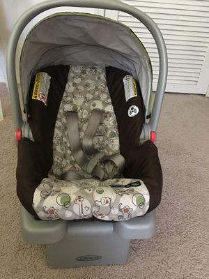 Graco Infant car seat (Jungle theme) for Sale in Fairfax, VA