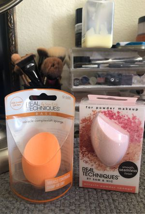 Real techniques beauty blender miracle complexion sponge and miracle powder sponge for Sale in Carlsbad, CA