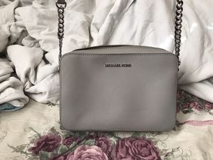 Michael kors bag and wallet set for Sale in Fairfield, CA