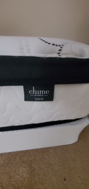 Chime Ashley Queen Size mattress for Sale in PA, US