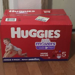 HUGGIES SIZE 5 104 mas 4 108 total for Sale in Carson, CA