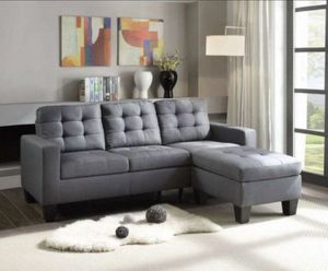 """Grey sectional sofa 81""""x 59"""" for Sale in Long Beach, CA"""