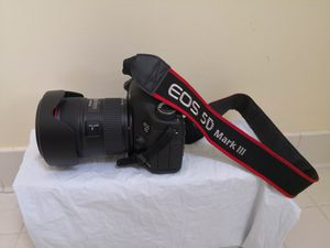 Canon 5D Mark 111 for Sale in Centreville, VA