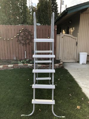 Swimming Pool Ladder for Above Ground Pool for Sale in Orondo, WA