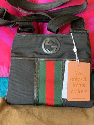 Gucci GG Supreme Crossbody Messenger Bag for Sale in Oceanside, CA