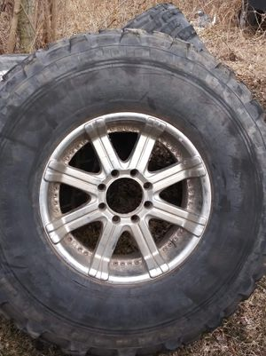 Michellin xl size 44 rims an tires for Sale in Pleasant Hill, IA