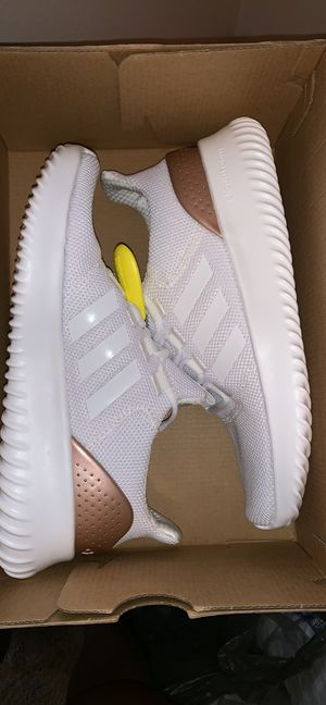 Adidas CLOUDFOAM ULTIMATE for Sale in Upper Arlington, OH