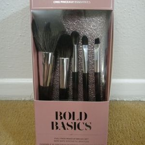 BOLD BASICS FULL FACE MAKEUP BRUSH SET for Sale in San Antonio, TX