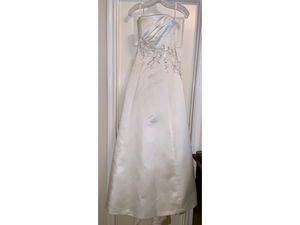 Wedding Dress Set for Sale in Cedar Park, TX