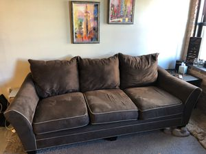 Free Raymour and Flanigan Briarwood Chocolate Sofa for Sale in New York, NY