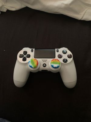Ps4 white controller 40$ for Sale in Riverside, CA