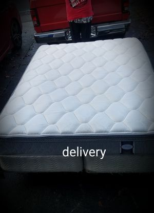 Queen mattress and split box spring with frame for Sale in Clackamas, OR