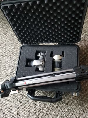 Canon EOS Rebel with 2 lenses, premium hard case, and tripod for Sale in San Diego, CA