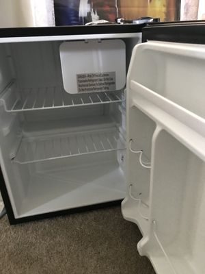 Whirlpool mini fridge for Sale in Alexandria, VA