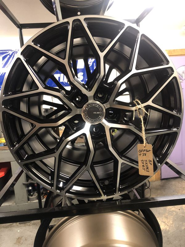 BRAND NEW set (4) Black and Machined 18 inch Rims for only $600 !!!
