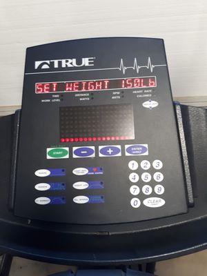 True 600ea elliptical for Sale in Phoenix, AZ