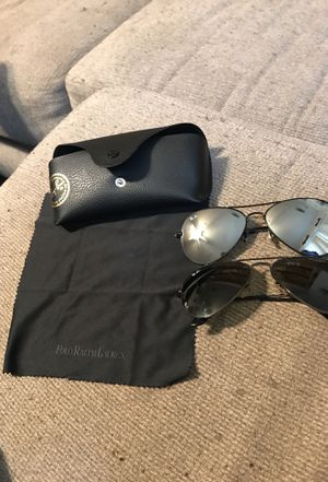 Two pairs of raybans for Sale in Dallas, TX