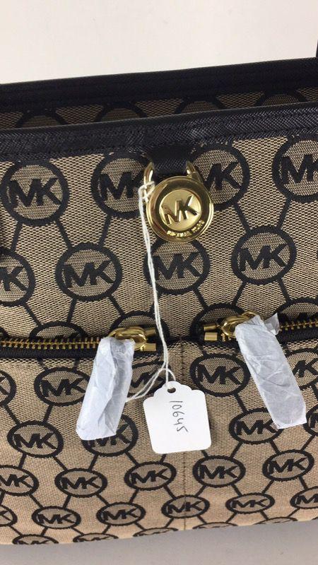 b9fa4ea418f015 NWT Micheal Kors Kempton 38F5GKPT2Q MD pocket Tote 10645 for Sale in ...