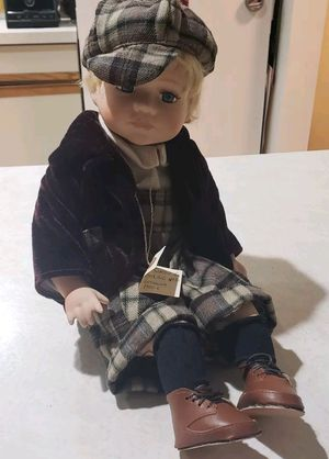 """NWT RARE 19"""" SIMON & HALBIG GERMANIA BISQUE ANTIQUE 1910 C. MADE IN ITALY This doll is 100% authentic From for Sale in Milford, CT"""