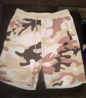 Nike Sportswear Camo Beige Fleece Lifestyle Shorts AR4035-238 $65 size L for Sale in Zachary, LA