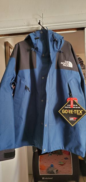 North face jacket size large goretex for Sale in Bellflower, CA