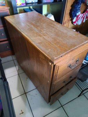 3 drawer filing cabinet for Sale in Tampa, FL