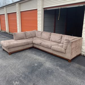 Sectional Couch FREE DELIVERY 🚚 for Sale in Cleveland, OH