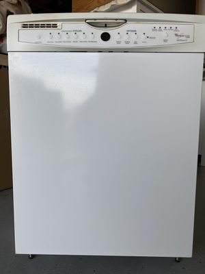 Whirlpool Gold Dishwasher for Sale in Apple Valley, CA